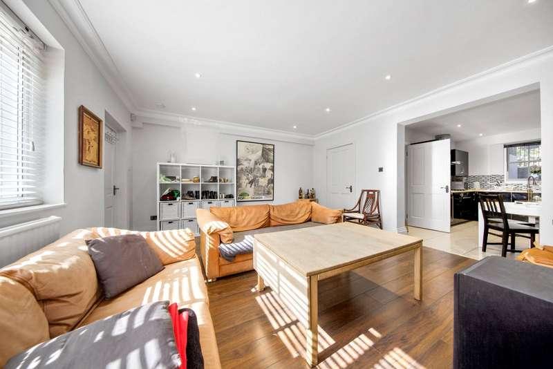 3 Bedrooms Maisonette Flat for sale in Harrington Square, Camden, London, NW1