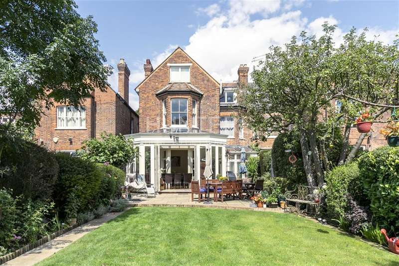 3 Bedrooms Apartment Flat for sale in Dartmouth Road, London, NW2