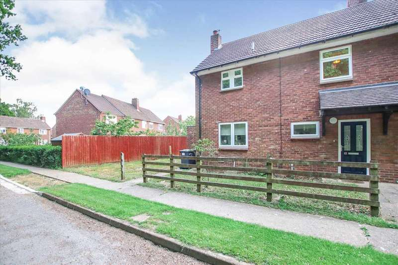 3 Bedrooms Semi Detached House for sale in Gibson Green, Witham St Hughs, Witham St Hughs