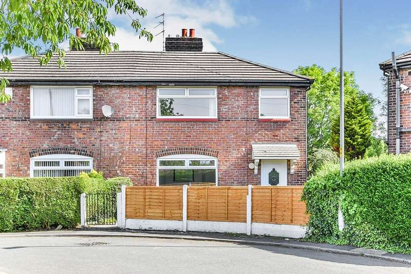 3 Bedrooms Semi Detached House for rent in Ascot Parade, Manchester, M19