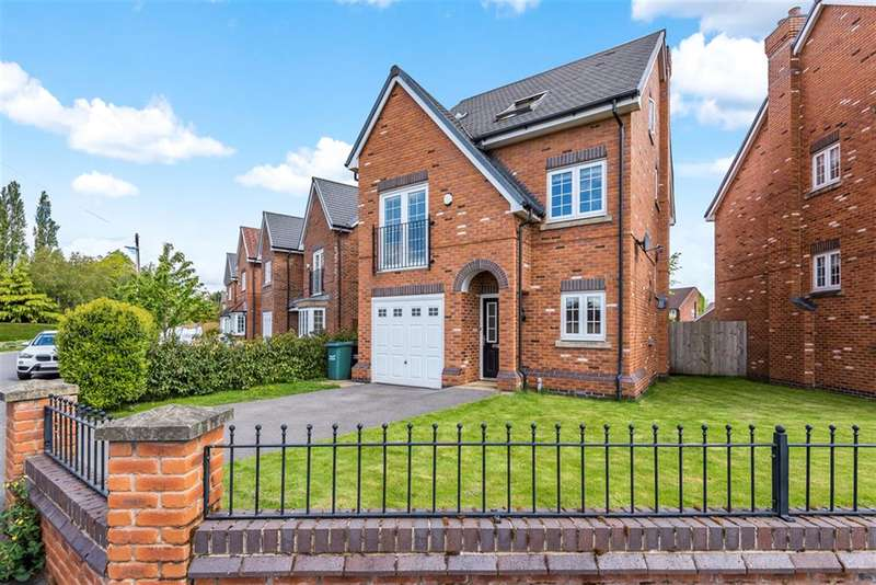 5 Bedrooms Detached House for sale in Hand Lane, Leigh, WN7 3LP