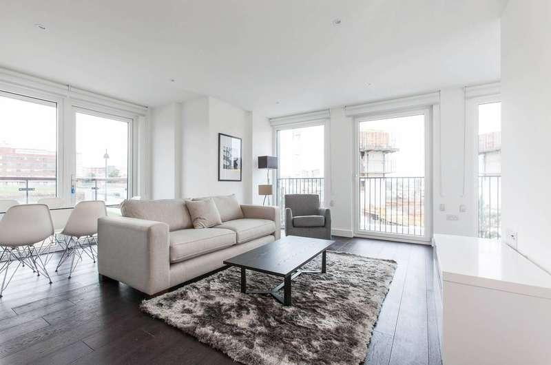 3 Bedrooms Flat for rent in Duke of Wellington Avenue, Woolwich, SE18