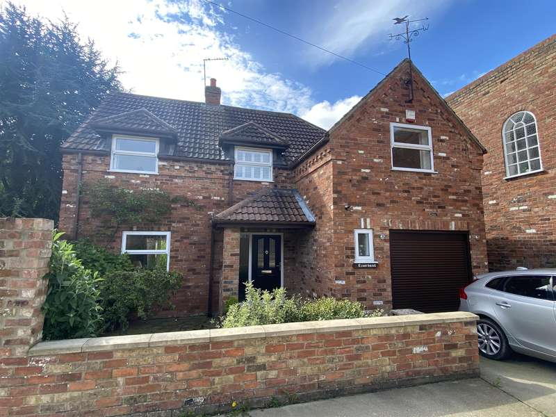 3 Bedrooms Detached House for sale in Charles Street, Louth, LN11 0LE