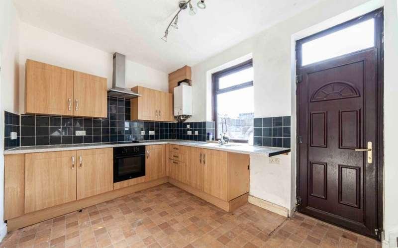 3 Bedrooms End Of Terrace House for sale in Sidney Street, Higginshaw, Oldham, OL1 3JX