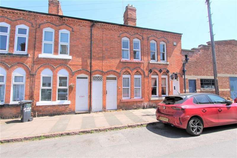 2 Bedrooms Terraced House for sale in Edward Road, Clarendon Park, Leicester LE2