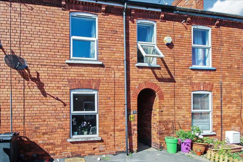 3 Bedrooms Terraced House for sale in Edna Street, Lincoln