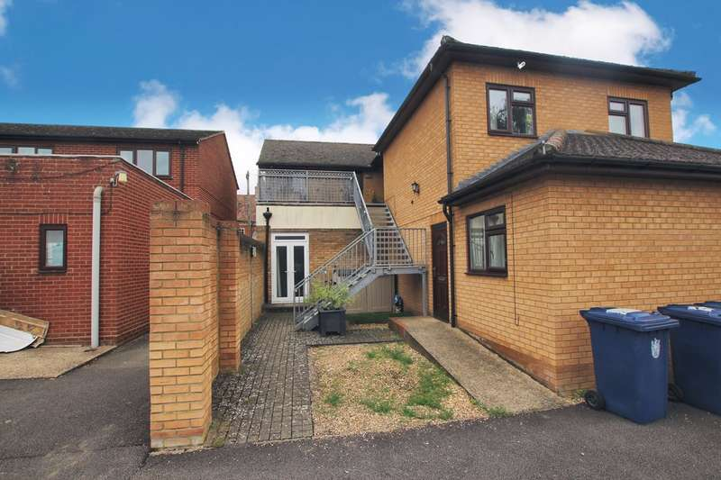 2 Bedrooms Apartment Flat for sale in Mill Street, Gamlingay, SG19