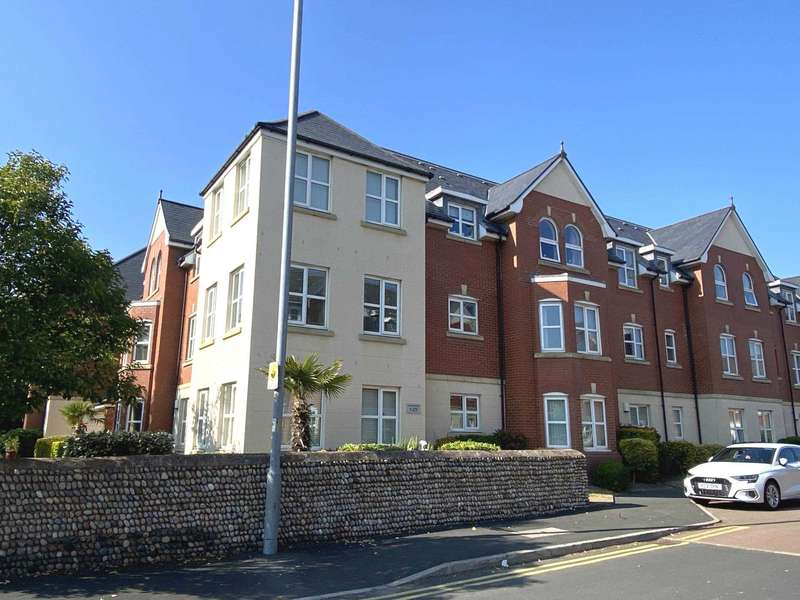 2 Bedrooms Apartment Flat for sale in Woodlands View, Ansdell, FY8 4EF