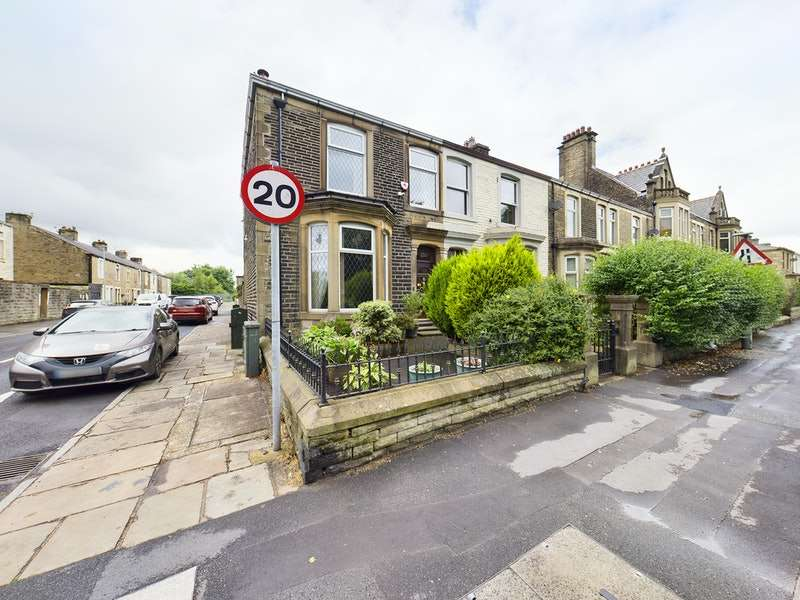 3 Bedrooms Terraced House for sale in Whalley Road, Accrington, Lancashire, BB5