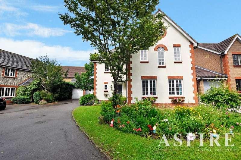 4 Bedrooms Detached House for sale in Tamarisk, Benfleet