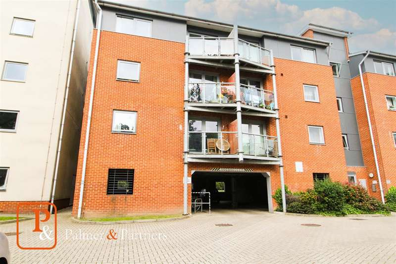 2 Bedrooms Apartment Flat for sale in St James Place, Colchester, CO4