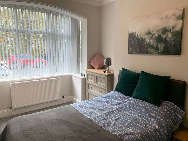 1 Bedroom House Share for rent in Rochdale Old Road, Bury,