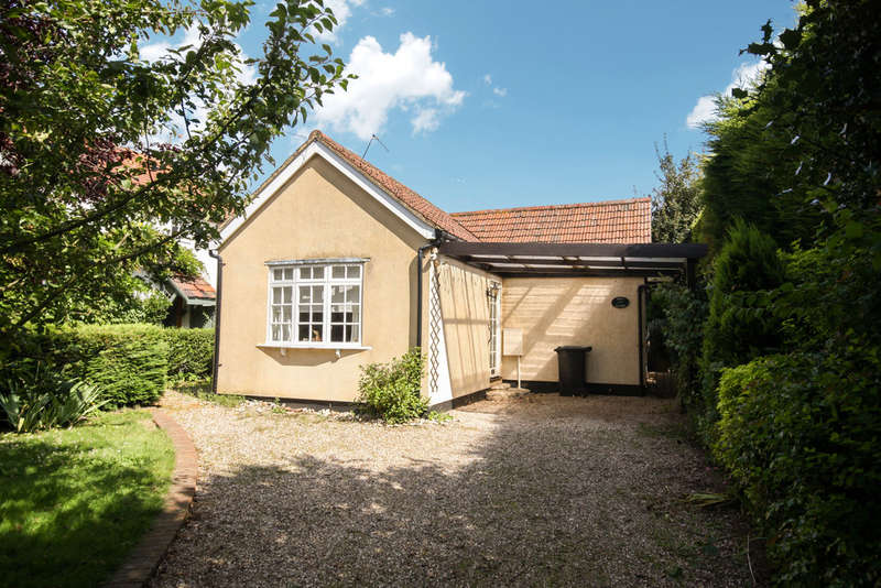 3 Bedrooms Detached Bungalow for sale in Little Baddow, Chelmsford