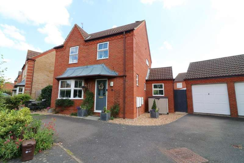 3 Bedrooms Detached House for sale in Grange Road, Barton Le Clay, Bedfordshire, MK45 4RE
