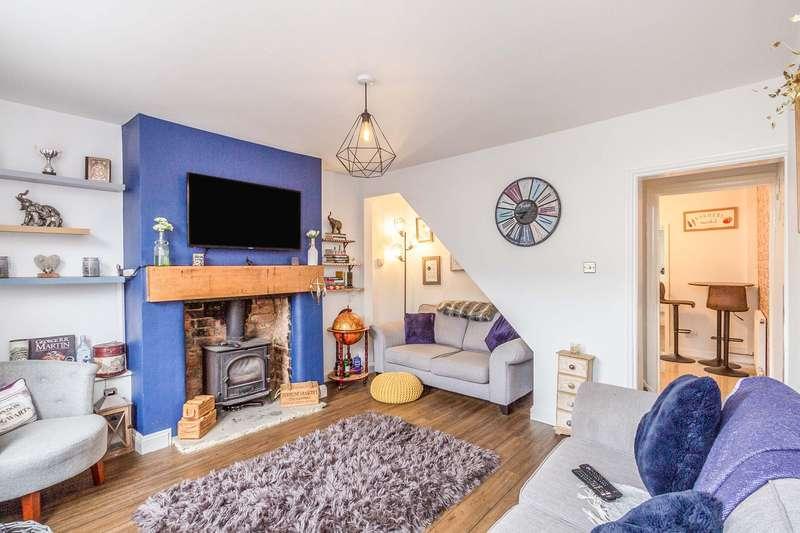 2 Bedrooms Terraced House for sale in Croft Avenue, Charlton Kings, Cheltenham, GL53