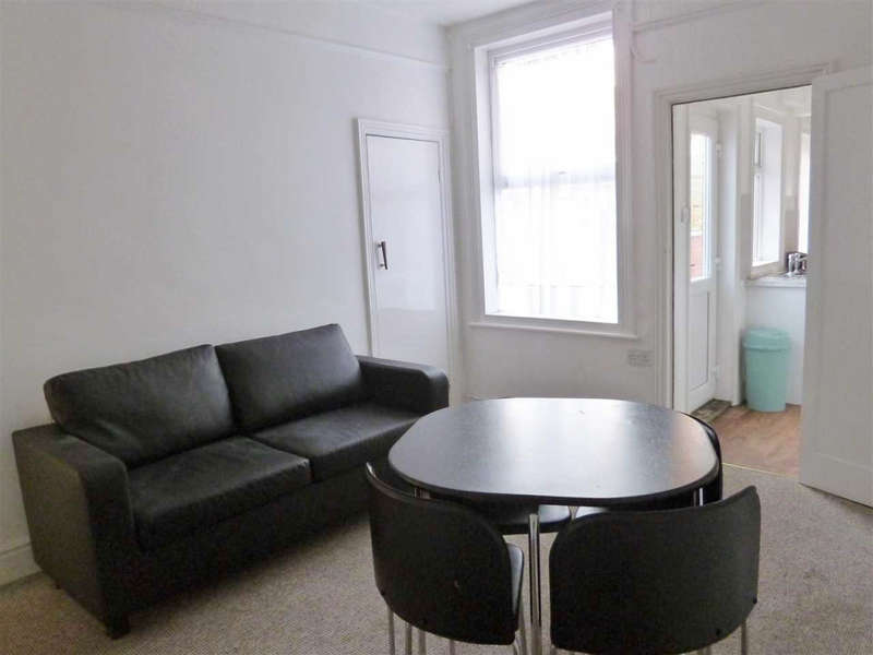 4 Bedrooms House Share for rent in Nelthorpe Street, Lincoln, LN5