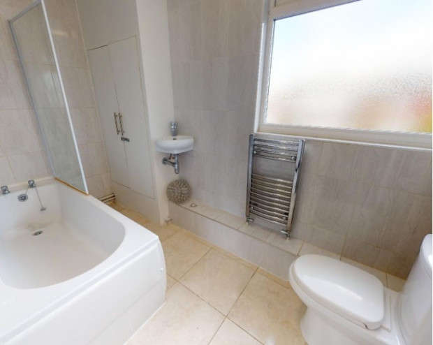 4 Bedrooms Terraced House for rent in Yorkshire Road, Manchester, M31