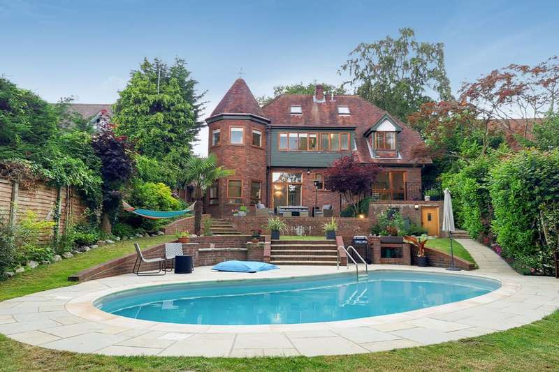 5 Bedrooms Detached House for sale in Beeches Drive, Farnham Common, SL2