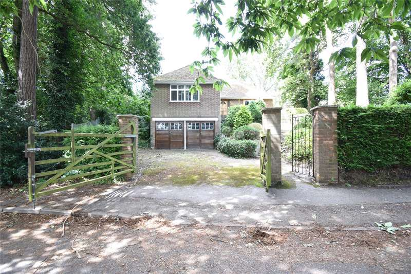 3 Bedrooms Bungalow for sale in Grant Road, Crowthorne, Berkshire, RG45
