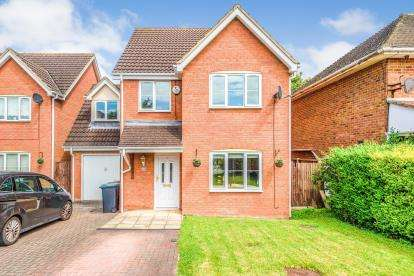 4 Bedrooms Detached House for sale in Wickstead Avenue, Luton, Bedfordshire