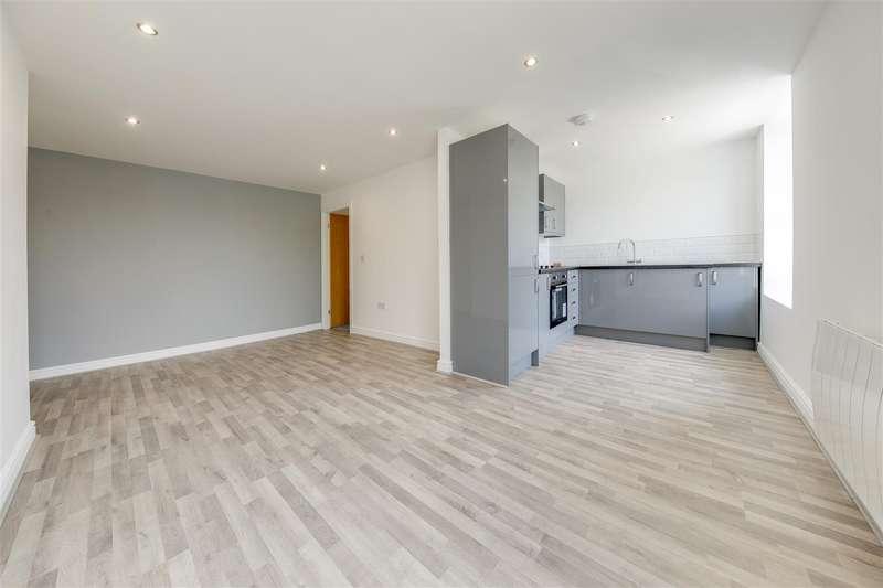 2 Bedrooms Flat for rent in Back Lane, Rawtenstall, Rossendale