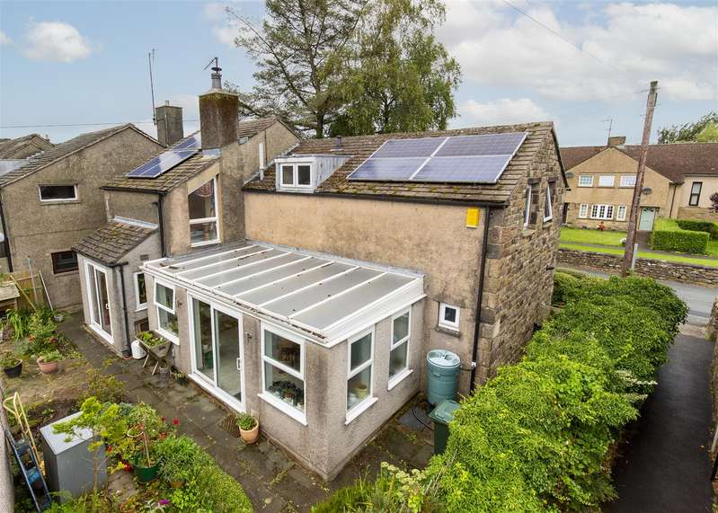 3 Bedrooms Detached House for sale in The Birches, Wray