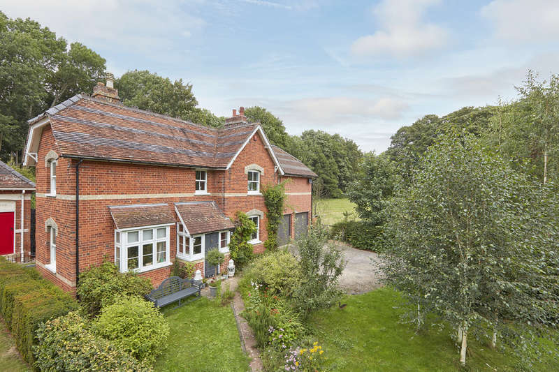 4 Bedrooms Detached House for sale in Wixoe, Stoke By Clare, Suffolk