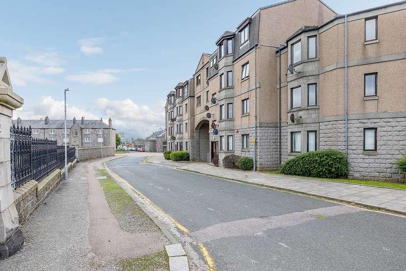 2 Bedrooms Flat for sale in Erroll Street, Aberdeen, AB24 5PP