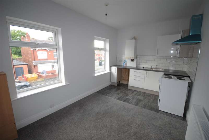 2 Bedrooms Flat for rent in Knowsley Road, Springfield, Wigan