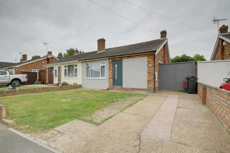 2 Bedrooms Semi Detached Bungalow for sale in Queens Road, Clacton-On-Sea