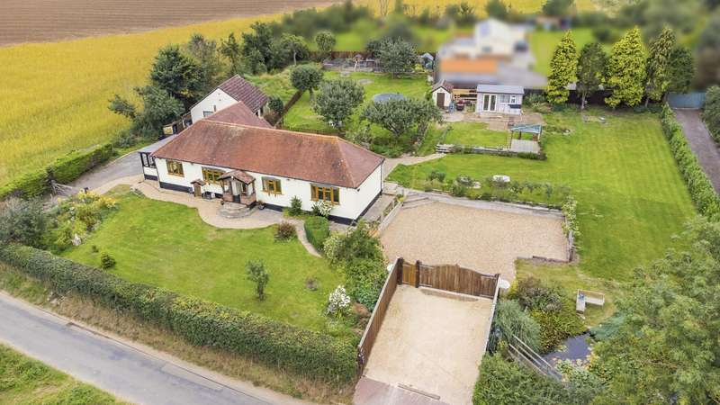 4 Bedrooms Detached Bungalow for sale in Petches Bridge, Finchingfield