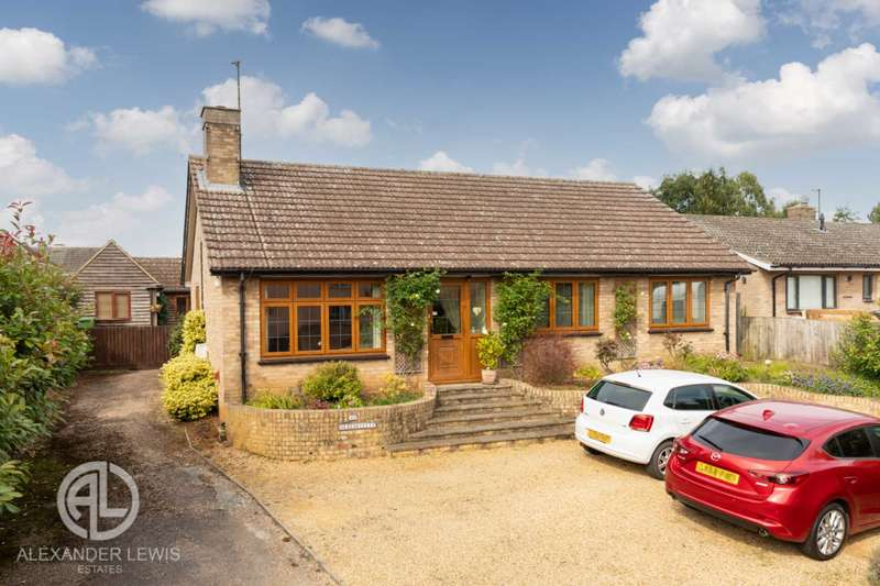 3 Bedrooms Detached Bungalow for sale in Mill Street, Gamlingay, Sandy, SG19 3JW
