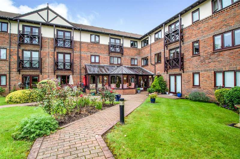 1 Bedroom Flat for sale in Ravenscourt, Sawyers Hall Lane, Brentwood