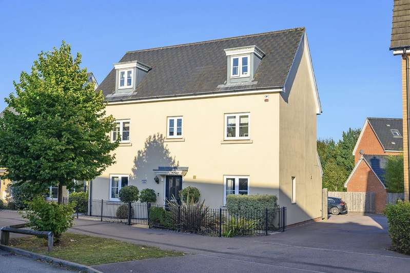 5 Bedrooms Detached House for sale in Little Canfield, Dunmow, Essex