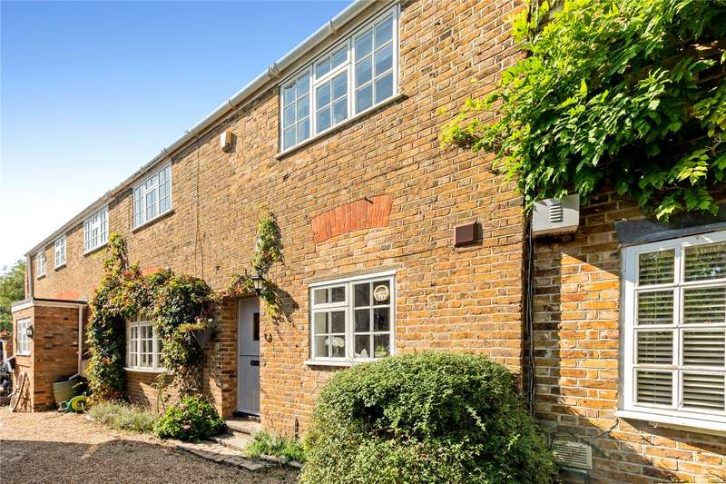3 Bedrooms Terraced House for sale in Stable Cottage, Hitcham Grange, Hill Farm Road, Taplow, Maidenhead, SL6