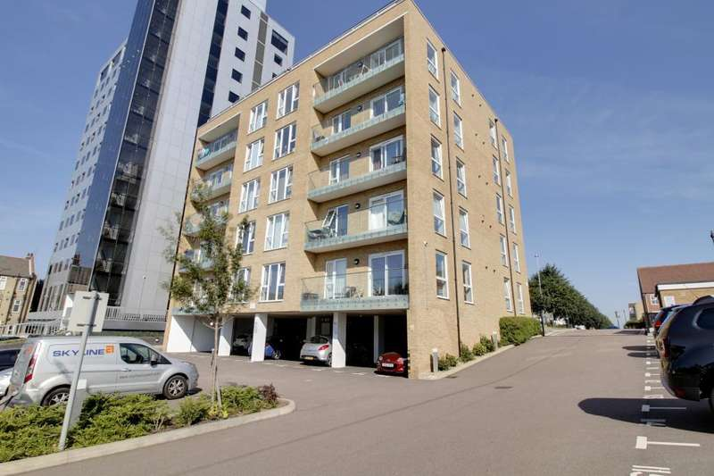 2 Bedrooms Flat for sale in Highbanks, 155 Southchurch Road, Southend, Essex, SS1 2HZ