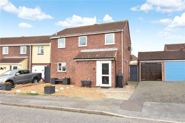 3 Bedrooms House for sale in Sheriffs Way, Clacton-on-Sea