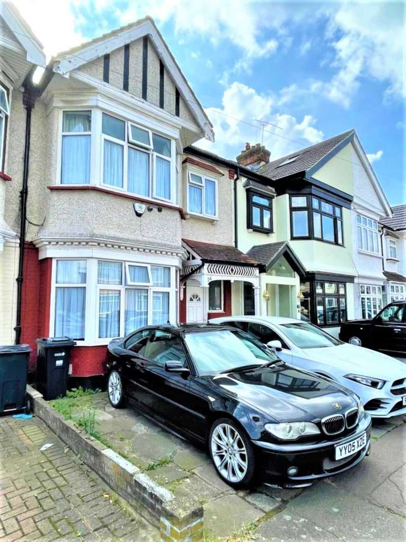 3 Bedrooms Terraced House for sale in St Andrews Road, Ilford