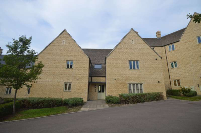 2 Bedrooms Flat for sale in Flat 11, 40 Middle Mead, Cirencester