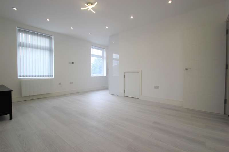 1 Bedroom Flat for rent in Collier Row Road, Collier Row, Romford, Essex, RM5 2BB