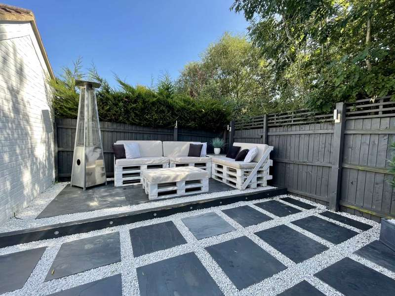 2 Bedrooms Semi Detached House for sale in Waverley Road, Steeple View