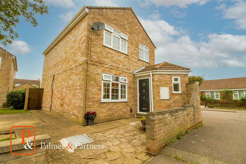 4 Bedrooms Detached House for sale in Grieves Court, Stanway, Colchester, CO3