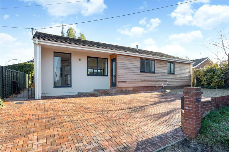 4 Bedrooms Detached Bungalow for sale in Fairview Road, Hungerford, Berkshire, RG17