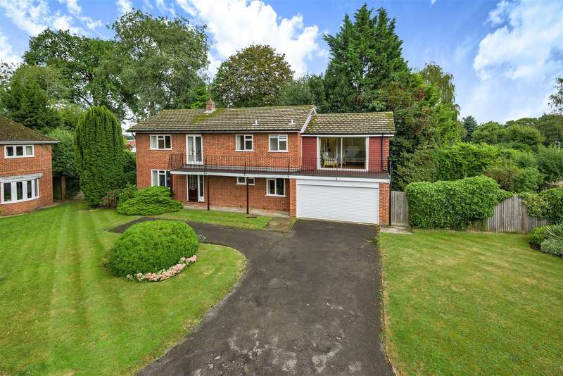 5 Bedrooms Detached House for sale in Clare Avenue, Wokingham, Berkshire, RG40 1EB
