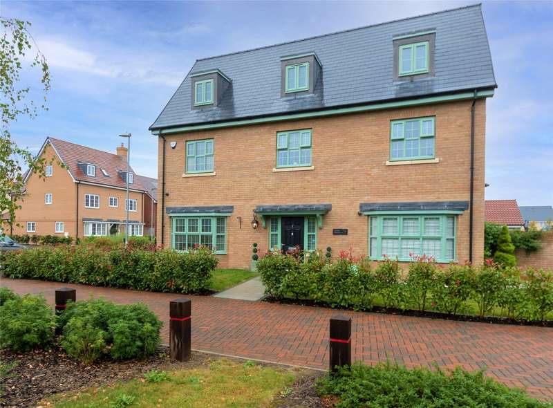 5 Bedrooms Detached House for sale in Charles Crescent, Rochford, SS4