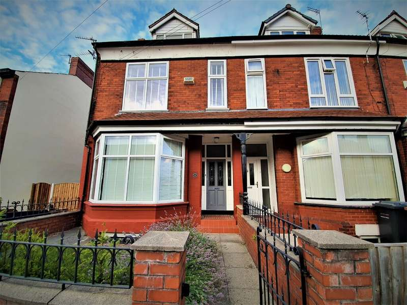 4 Bedrooms House Share for rent in Denstone road, Salford M6 7FG