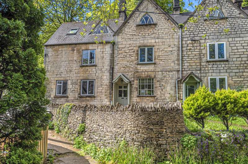 2 Bedrooms Terraced House for sale in Stroud Road, Nailsworth, Stroud, GL6