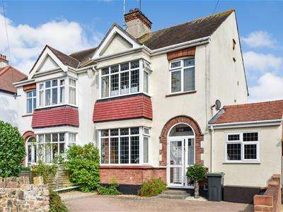 3 Bedrooms Semi Detached House for sale in Station Road, Leigh-On-Sea