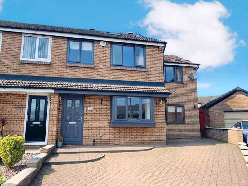 5 Bedrooms Semi Detached House for sale in Rishton, Blackburn, .