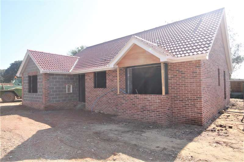 3 Bedrooms Bungalow for sale in Holland Road Gardens, Little Clacton